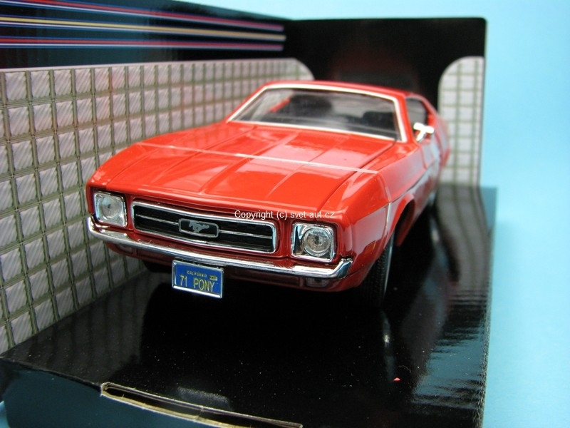 Ford Mustang Sportsroof 1971 red 1:24 Motor Max